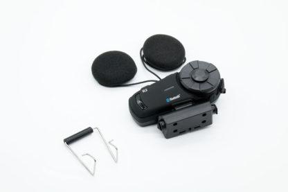 AiRide R2藍牙耳機亦可使用包裝內附的固定鉤來安裝
